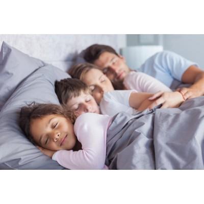 Узнайте, как льняное постельное белье помогает от ночного потоотделения.